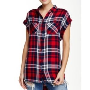 BeachLunchLounge Short Sleeve Plaid Button Down